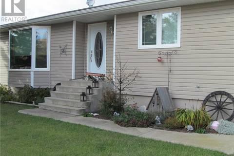 House for sale at 121 4th Ave Ne Watson Saskatchewan - MLS: SK748610