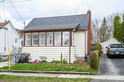 House for sale at 121 Beaver St Thorold Ontario - MLS: X4993985