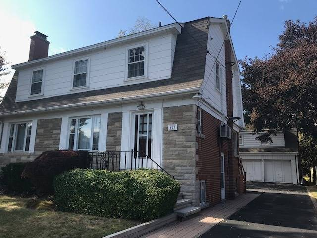 Sold: 121 Cumberland Drive, Mississauga, ON