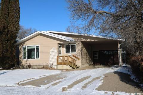 House for sale at 121 Darlington St W Yorkton Saskatchewan - MLS: SK786399