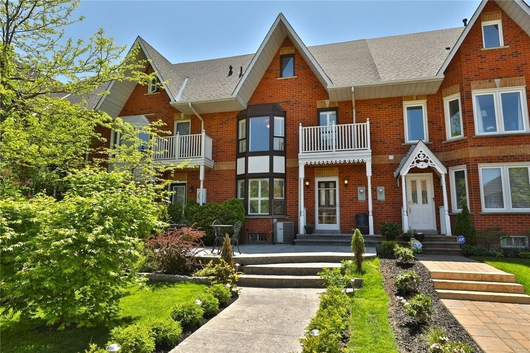 Townhouse for sale at 121 Edgewater Dr Stoney Creek Ontario - MLS: H4079383