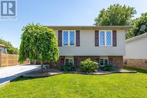 House for sale at 121 Mediterranean  Amherstburg Ontario - MLS: 19020296