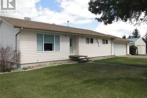 House for sale at 121 Park St E Kamsack Saskatchewan - MLS: SK770456