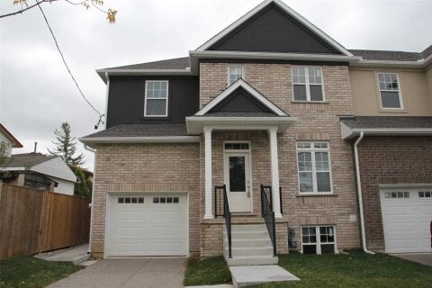 Townhouse for rent at 121 Rykert St St. Catharines Ontario - MLS: X4973947