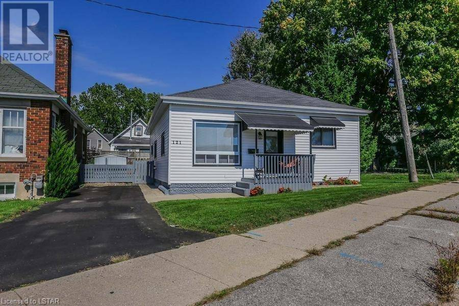 House for sale at 121 Scott St St. Thomas Ontario - MLS: 240200