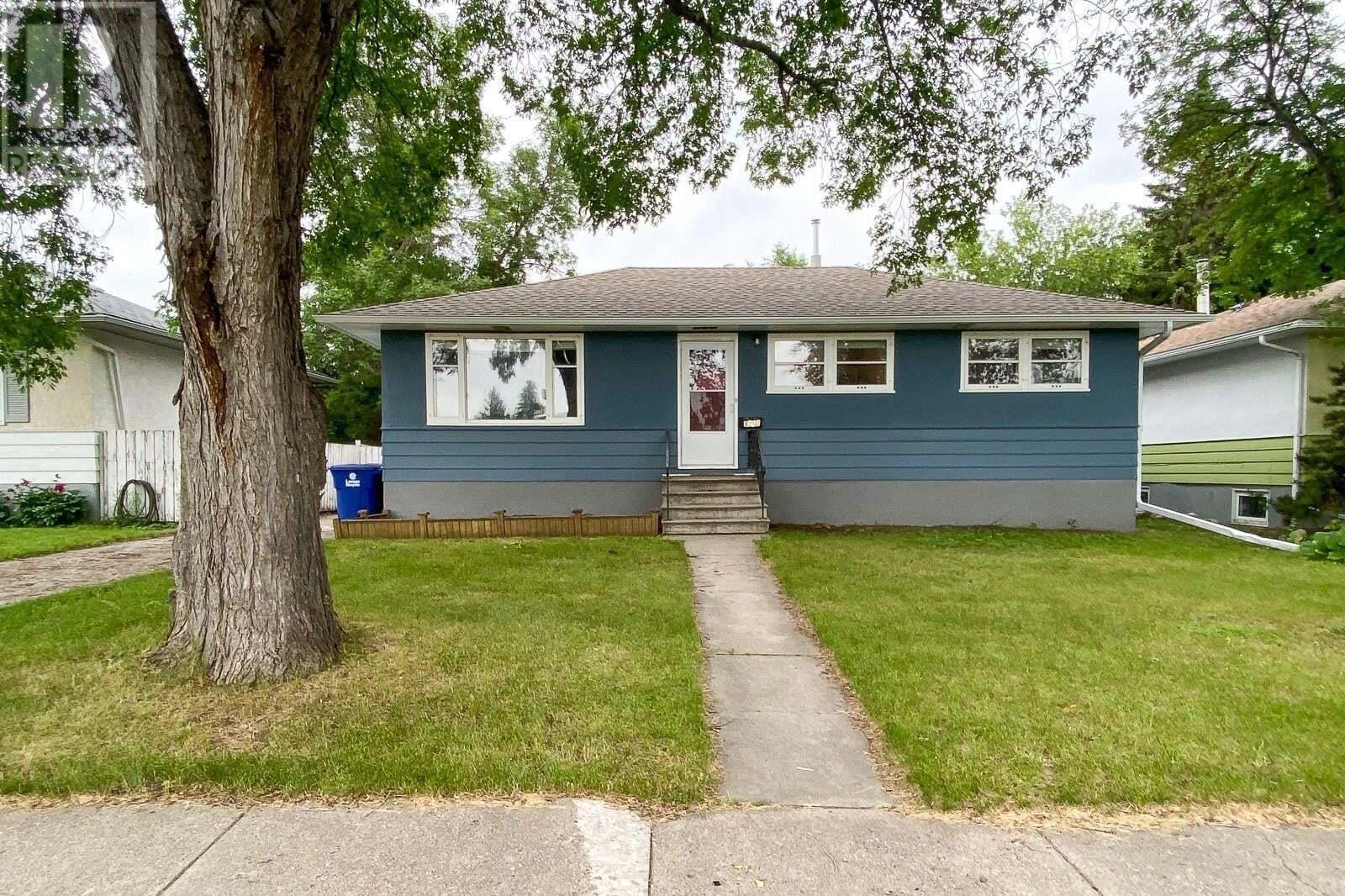 House for sale at 1210 11th St E Saskatoon Saskatchewan - MLS: SK817279