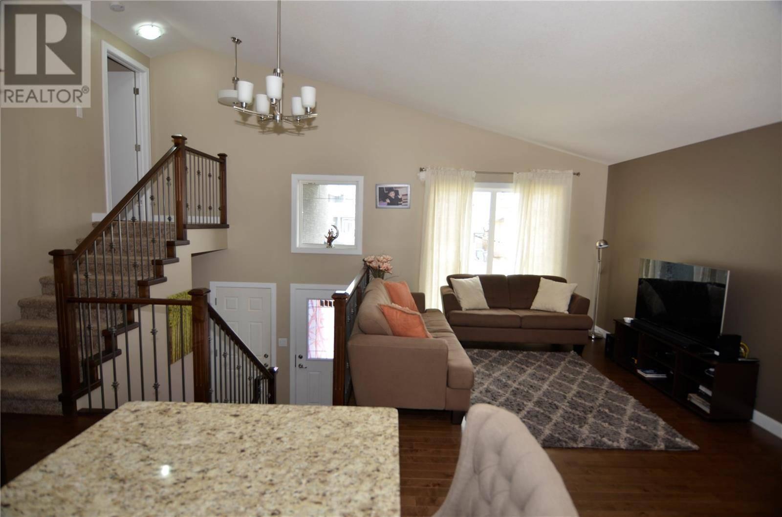 House for sale at 1210 Hargreaves Wy Saskatoon Saskatchewan - MLS: SK788762