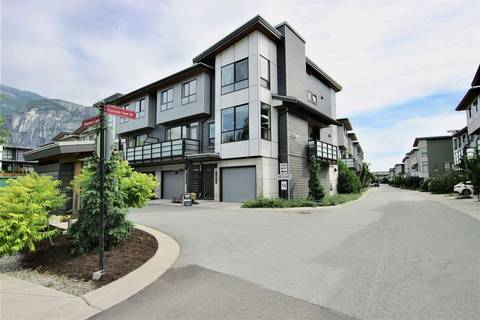 Townhouse for sale at 1210 Shannon Ln Squamish British Columbia - MLS: R2381200