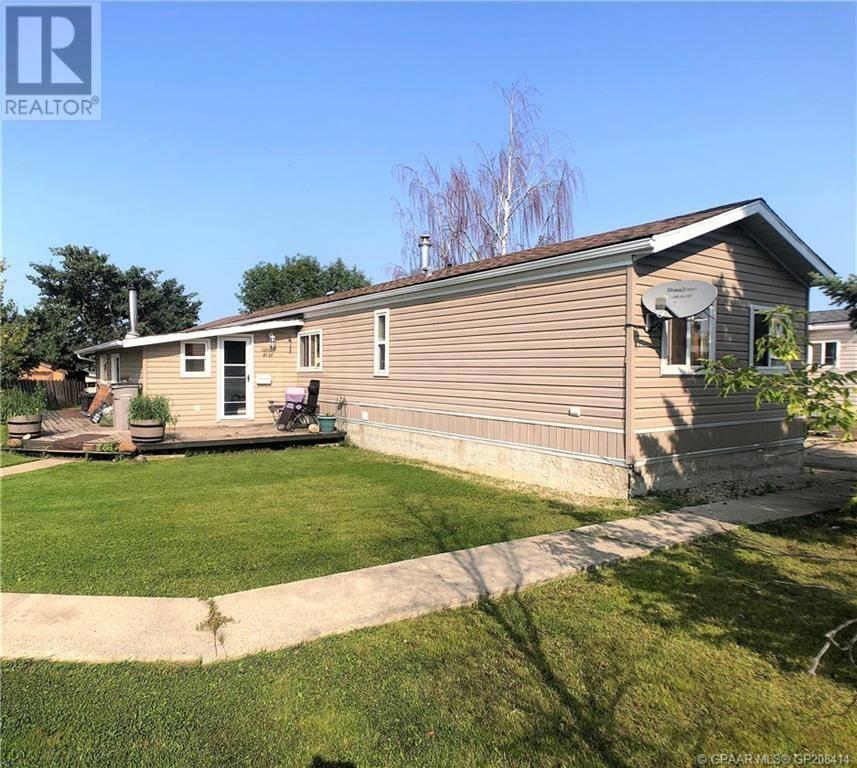 House for sale at 12110 97 St Grande Prairie Alberta - MLS: GP208414