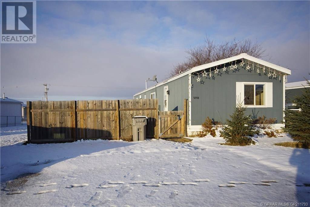 House for sale at 12112 98 St Grande Prairie Alberta - MLS: GP211793