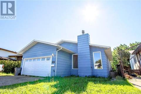 House for sale at 12117 95b St Grande Prairie Alberta - MLS: GP207571