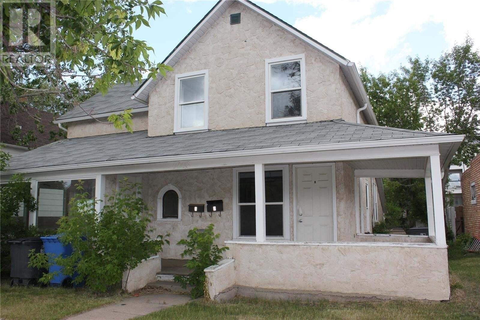 House for sale at 1213 2nd St Estevan Saskatchewan - MLS: SK830674