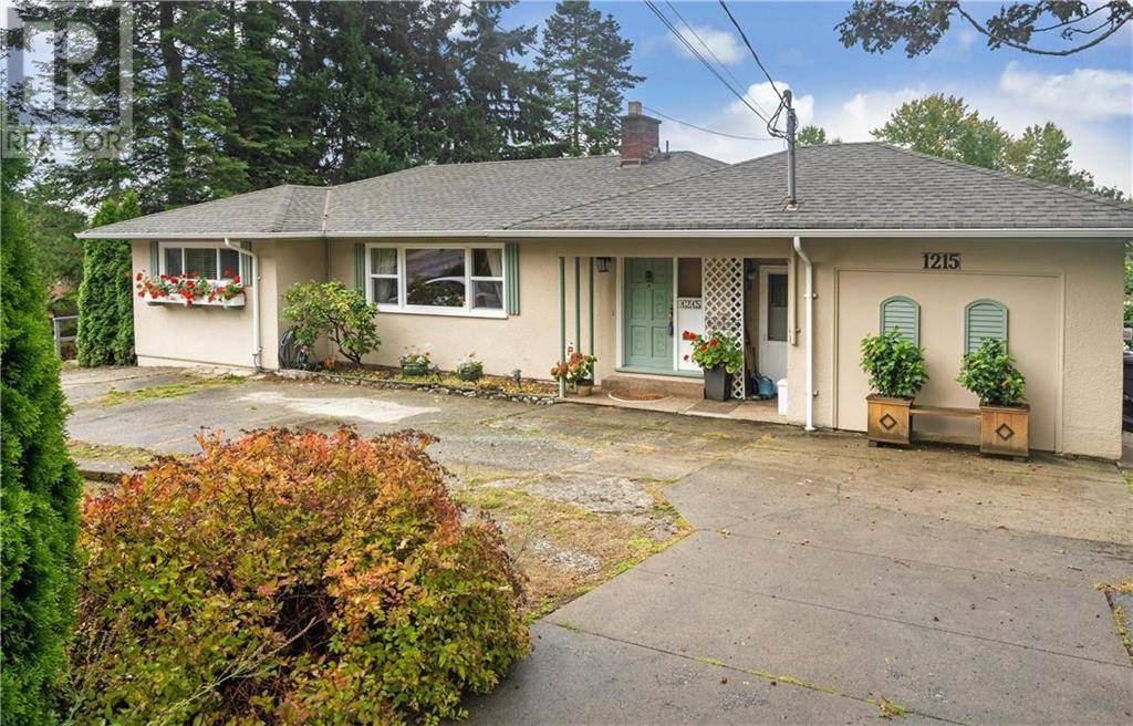 House for sale at 1215 Burnside Rd W Victoria British Columbia - MLS: 416107
