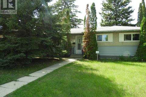 House for sale at 1215 K Ave N Saskatoon Saskatchewan - MLS: SK796384
