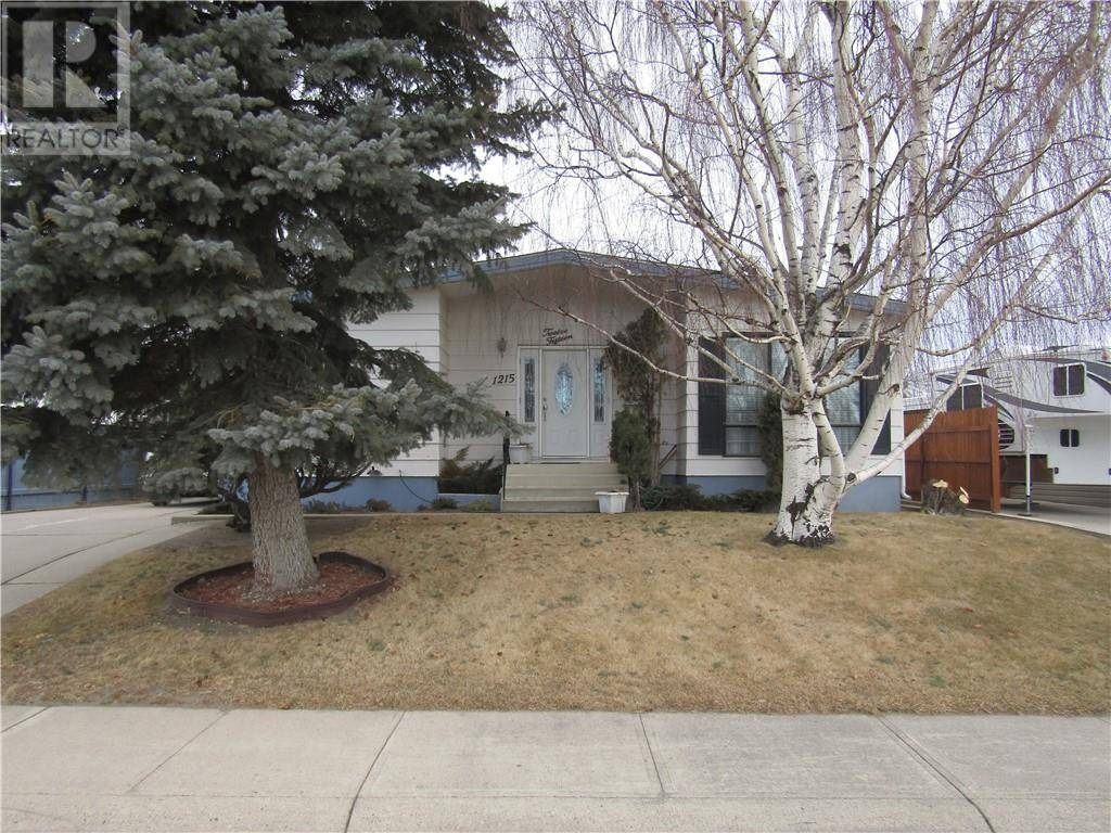 House for sale at 1215 St Catherine Rd N Lethbridge Alberta - MLS: ld0188258