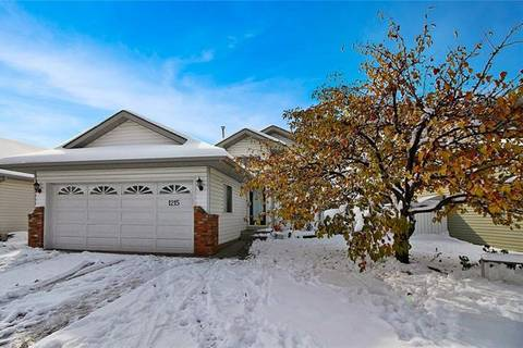 House for sale at 1215 Thornburn Dr Southeast Airdrie Alberta - MLS: C4241197