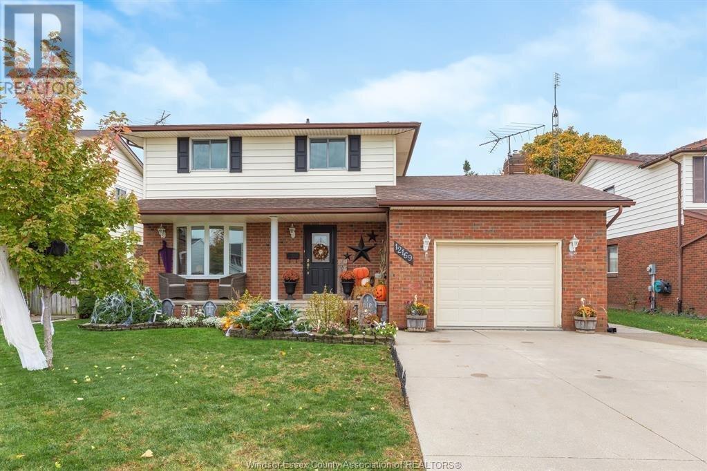 House for sale at 12169 St. Thomas  Tecumseh Ontario - MLS: 20014388
