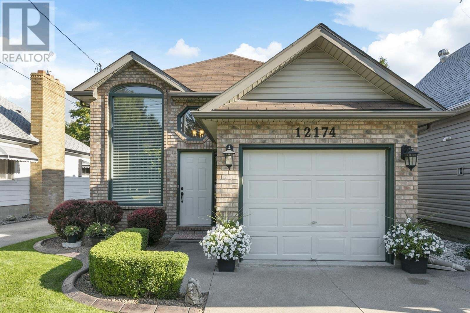 House for sale at 12174 St. Jacques  Tecumseh Ontario - MLS: 20009980