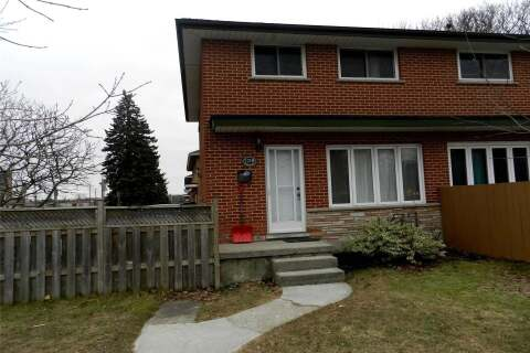 Townhouse for sale at 121 Noecker St St Waterloo Ontario - MLS: X4891979