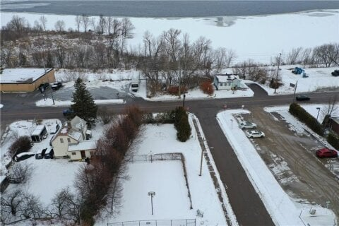Residential property for sale at 122 Peter St Pembroke Ontario - MLS: 1221816