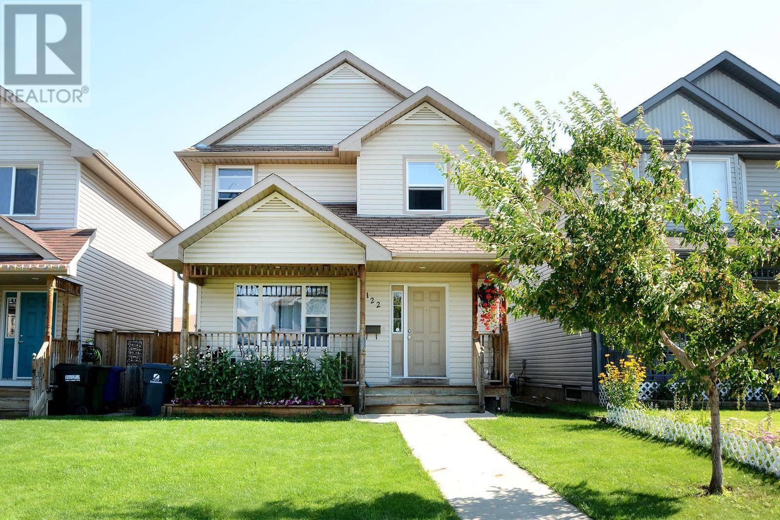 House for sale at 122 Denham Cres Saskatoon Saskatchewan - MLS: SK782895