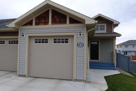 Townhouse for sale at 122 Haru Moriyama Pl N Lethbridge Alberta - MLS: A1043048