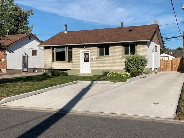 House for sale at 122 Hemlock Pl Thunder Bay Ontario - MLS: TB192988