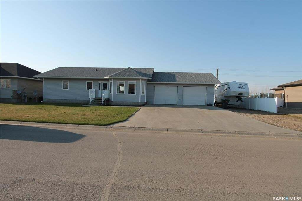 House for sale at 122 Spruce Dr Oxbow Saskatchewan - MLS: SK808986