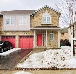 Townhouse for sale at 122 Starhill Cres Brampton Ontario - MLS: W4384115
