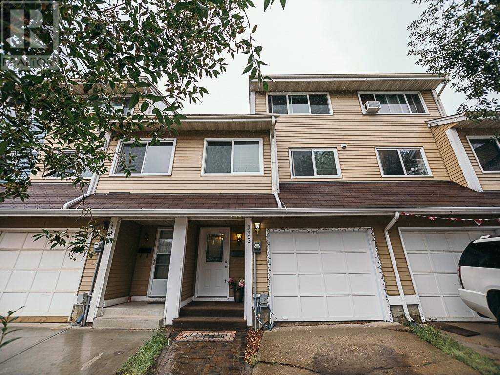 Townhouse for sale at 122 Wallace Pl Fort Mcmurray Alberta - MLS: fm0185181
