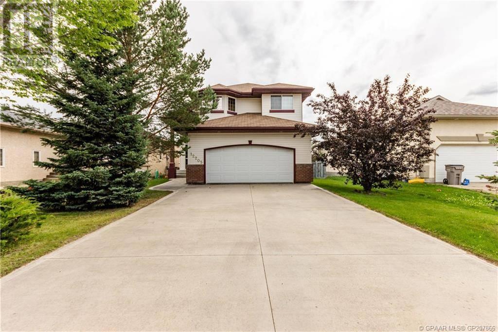 House for sale at 12205 Crystal Lake Drive  Grande Prairie Alberta - MLS: GP207866