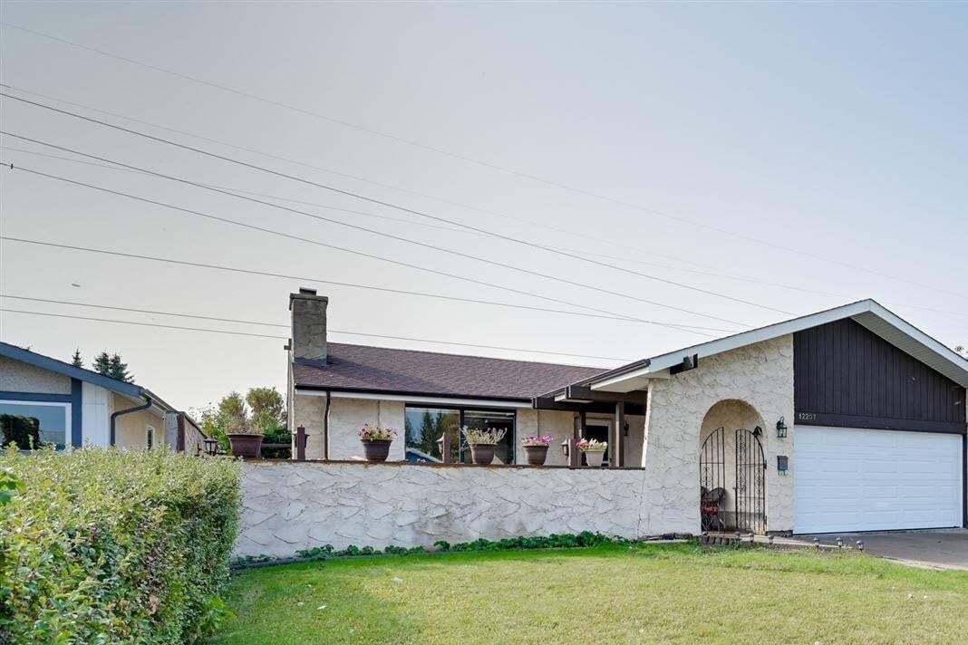 House for sale at 12207 152a Av NW Edmonton Alberta - MLS: E4215041
