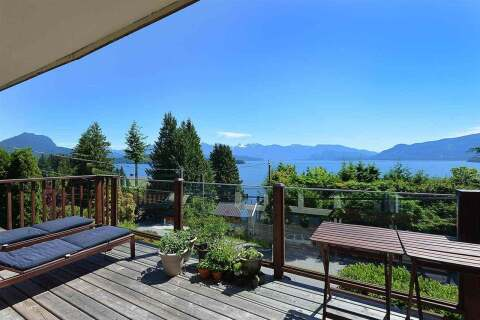 House for sale at 1221 Marine Dr Gibsons British Columbia - MLS: R2458625