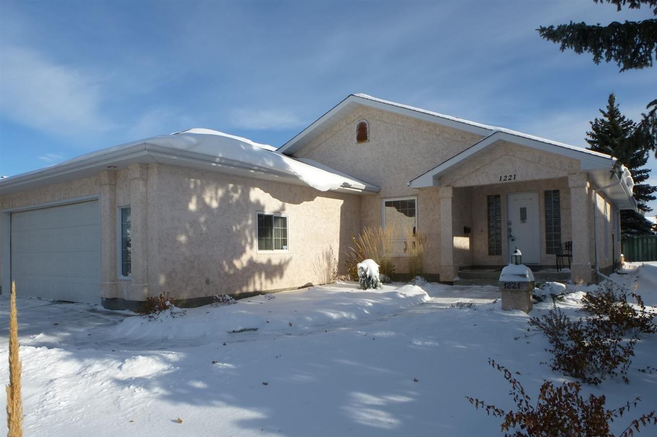 House for sale at 1221 Wershof Rd NW Edmonton Alberta - MLS: E4217017