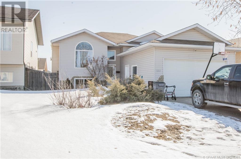 12213 Crystal Lake Drive Grande Prairie For Sale