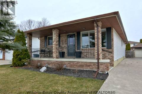 House for sale at 12218 Baillargeon  Tecumseh Ontario - MLS: 19018304