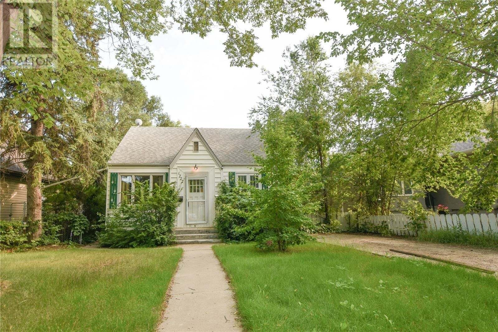 House for sale at 1222 15th St E Saskatoon Saskatchewan - MLS: SK818431