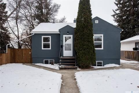 House for sale at 1223 J Ave S Saskatoon Saskatchewan - MLS: SK797419