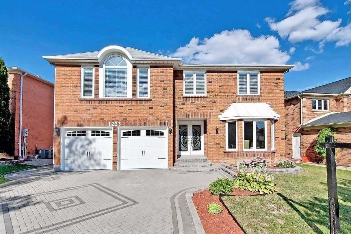 House for sale at 1223 Kings College Dr Oakville Ontario - MLS: W4919503