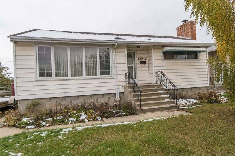 House for sale at 12232 St.albert Trail Tr Nw Edmonton Alberta - MLS: E4185843