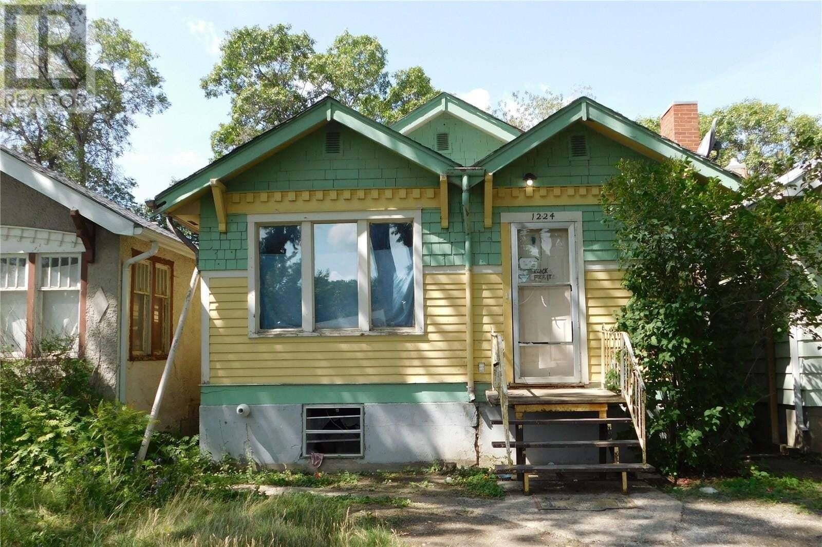 House for sale at 1224 Robinson St Regina Saskatchewan - MLS: SK818860