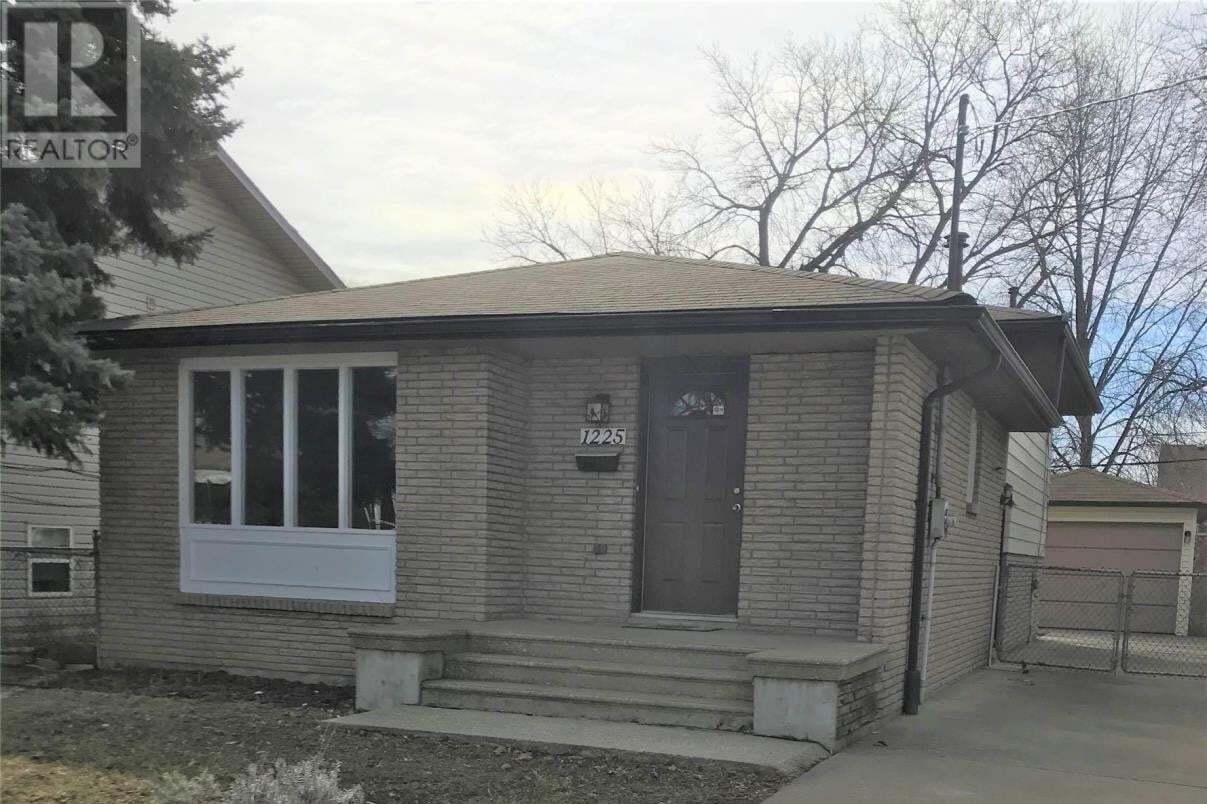 House for sale at 1225 Laurendeau  Windsor Ontario - MLS: 20007848