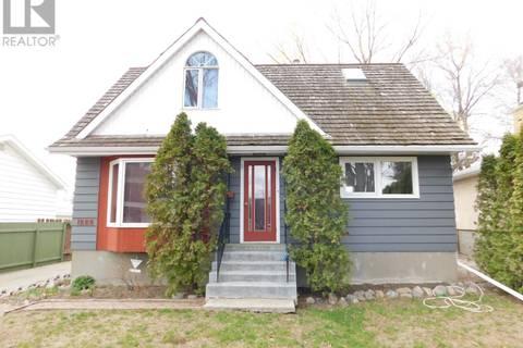 House for sale at 1228 Grace St Regina Saskatchewan - MLS: SK771729