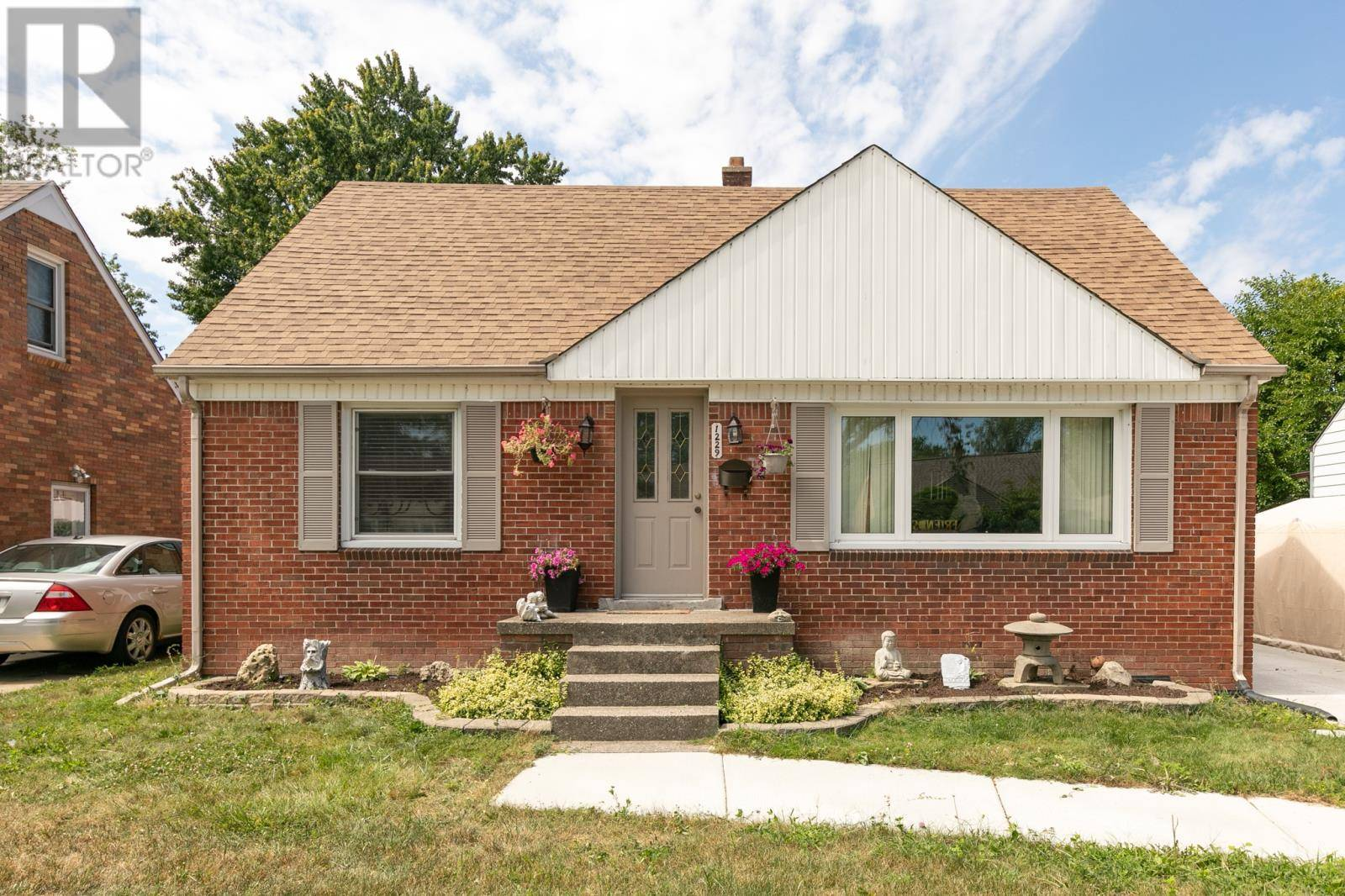 House for sale at 1229 Fairview Blvd Windsor Ontario - MLS: 19023727