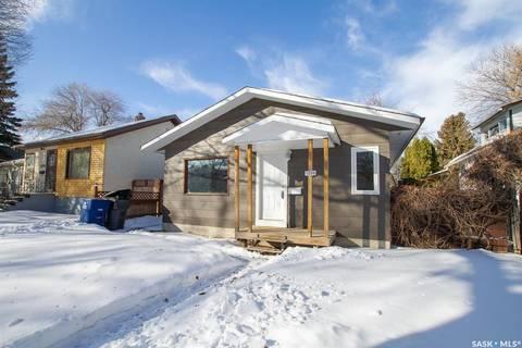House for sale at 1229 H Ave N Saskatoon Saskatchewan - MLS: SK801197