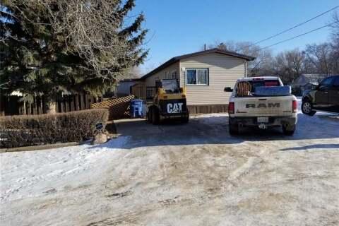 House for sale at 123 3rd St W Lafleche Saskatchewan - MLS: SK796422