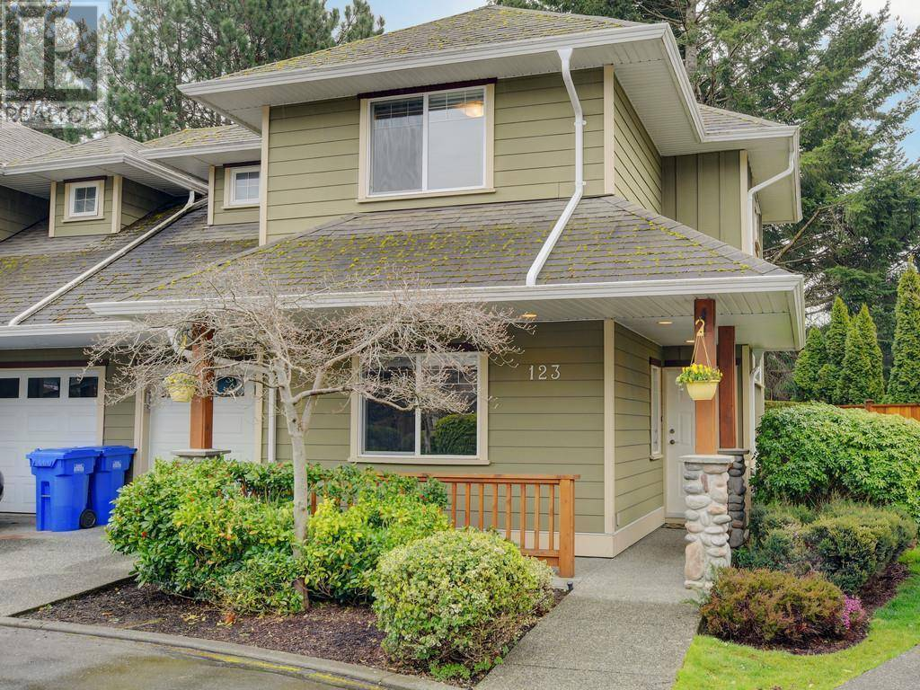 Townhouse for sale at 951 Goldstream Ave Unit 123 Victoria British Columbia - MLS: 423651