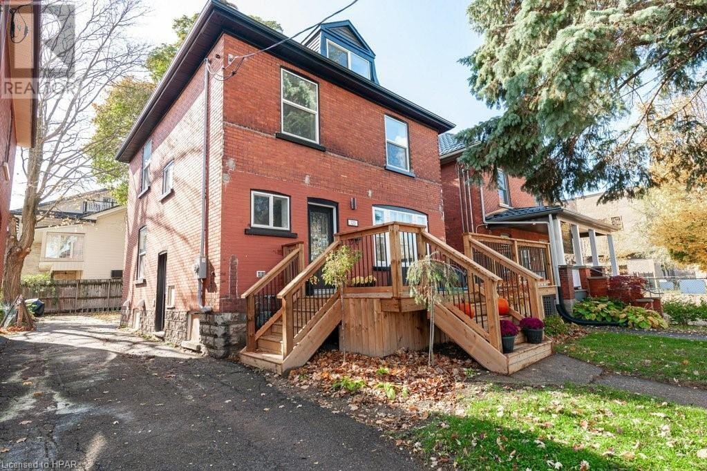 Residential property for sale at 123 Albert St Stratford Ontario - MLS: 40036847
