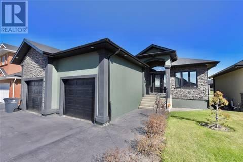 House for sale at 123 Bennion Cres Saskatoon Saskatchewan - MLS: SK772403