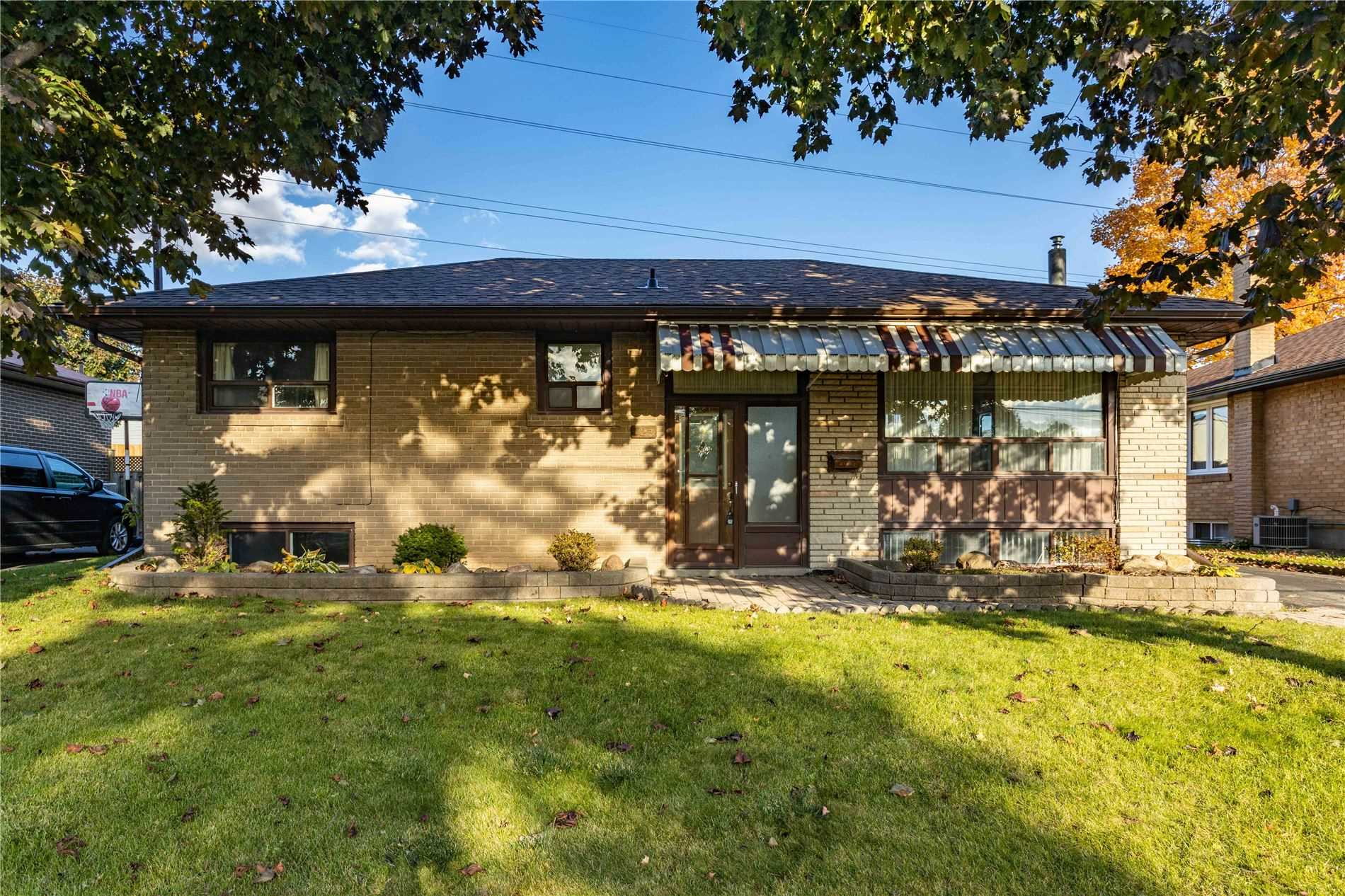For Sale: 123 Bowman Avenue, Whitby, ON | 3 Bed, 1 Bath House for $549000.00. See 33 photos!